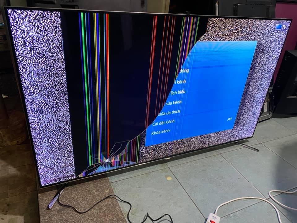 Thay màn hình tivi